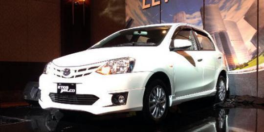 Harga Toyota Etios Bulan Maret 2015