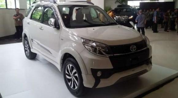Paket Kredit Toyota Rush Januari 2018 [DP Termurah]