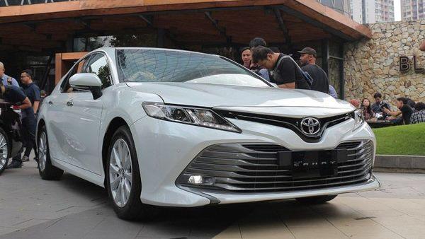 Harga Toyota Camry Terbaru Januari 2021