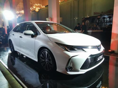 Harga Toyota New Corolla Altis Terbaru April 2021